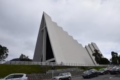 Tromsø Eismeerkathedrale wirkt wie aufgeschichtete stilisierte Eisplatten