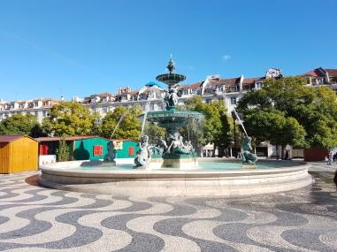 20171201_121552_Lissabon_Rossio_Fontanna południowa