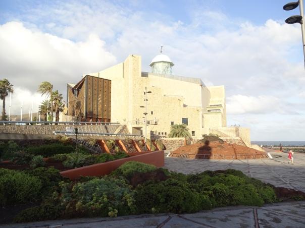 Gran Canaria 1 Konzerthalle und Strand