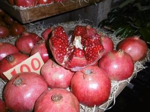 Granatapfel auf dem Marche central