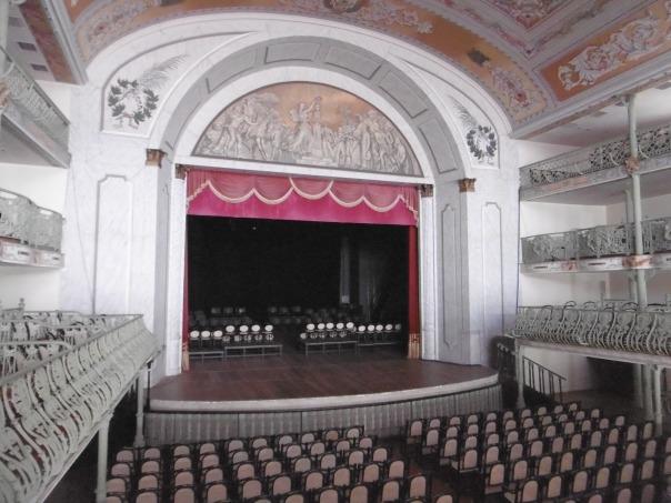 Theater innen 2